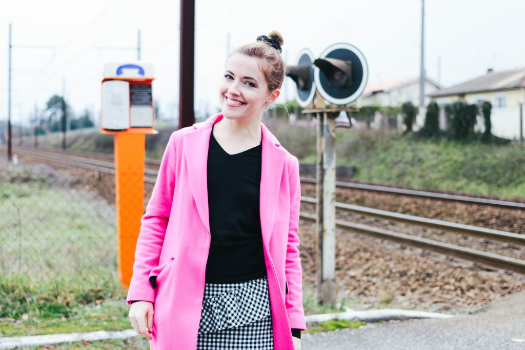 Hello Monday #13 : Fuchsia Coat !